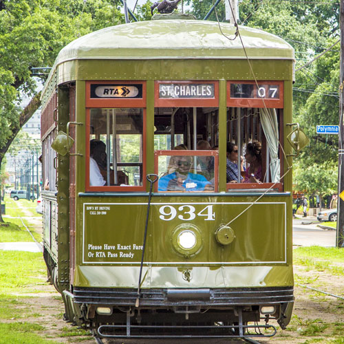 contact-private-driver-new-orleans-streetcar